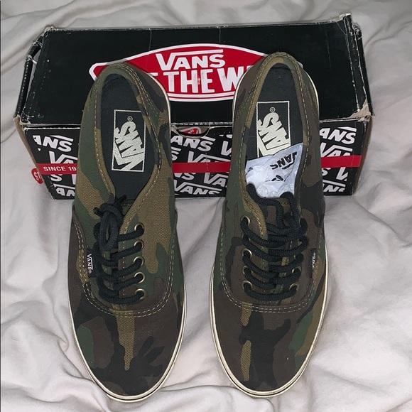 Vans Shoes - Vans laceup camo sneakers